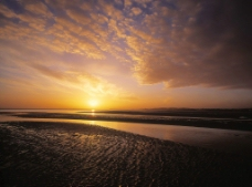 傍晚落日图片