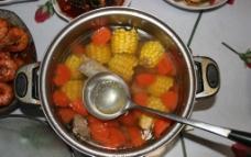 玉米排骨汤图片