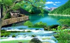 山脚下湖边美丽风景图片