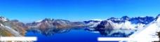 美丽雪山天池风景图片