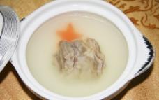 浓汤炖雪山寒羊排图片