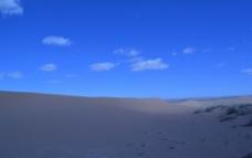 沙漠蓝天图片