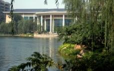 园林 湖面图片