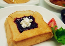 法式篮莓酱厚多士图片