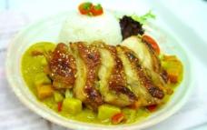 脆皮烧鸡咖喱饭图片