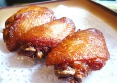辣味焗中翼图片