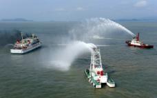 海上消防演习图片