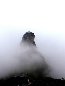 云雾梵净山金顶图片