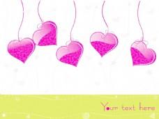 白色背景挂着粉红色的心