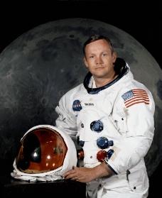 登月第一人图片
